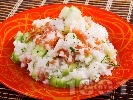 Рецепта Оризова салата с пушена сьомга и краставици